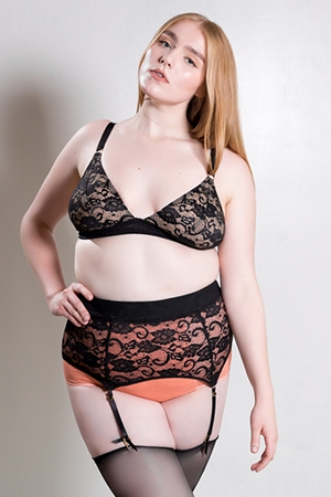 Svana Highwaist Garter Belt